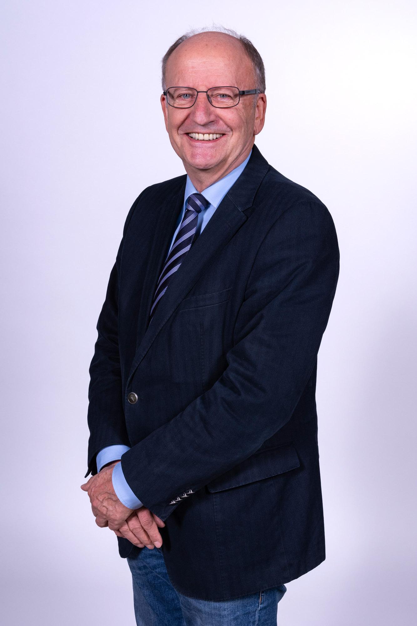 Dr. Günter Scheiding