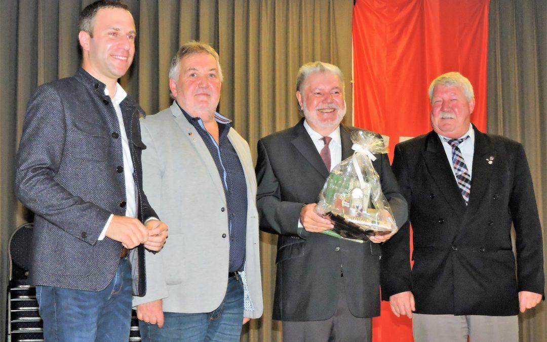Gleich drei gute Gründe zum Feiern!  Ehrung langjähriger SPD-Mitglieder – Auszeichnungen mit der Willy-Brandt-Medaille und ein Ortsverein der seinen 50. Geburtstag feiert